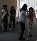 視覚障害者の誘導方法について説明